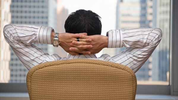 berufsunf hig richtig sitzen verhindert r ckenschmerzen. Black Bedroom Furniture Sets. Home Design Ideas